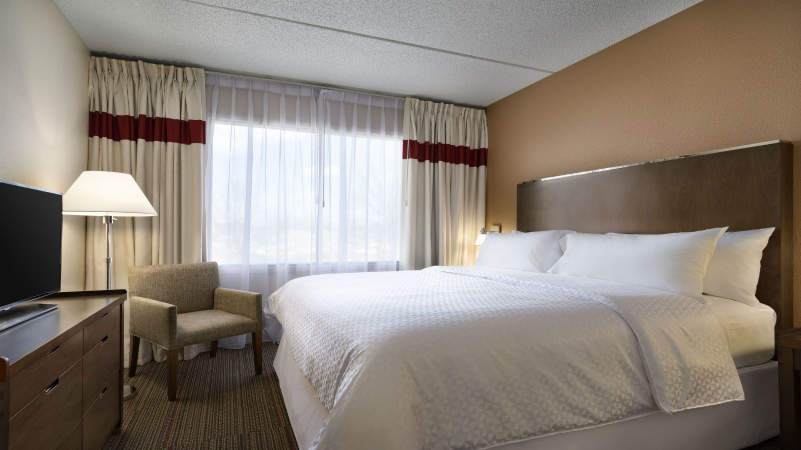 North Raleigh Accommodations - King Suite